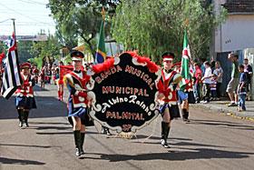 Desfile e Missa em Ação de Graças integram comemorações em Andirá